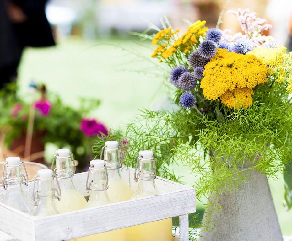 Puesto de limonada casera con un toque de hierbabuena (1)