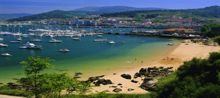 Vista de la playa de Baiona desde el Parador