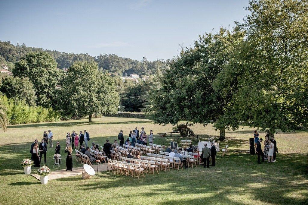 Foto boda civil en los jardines del Pazo da Touza